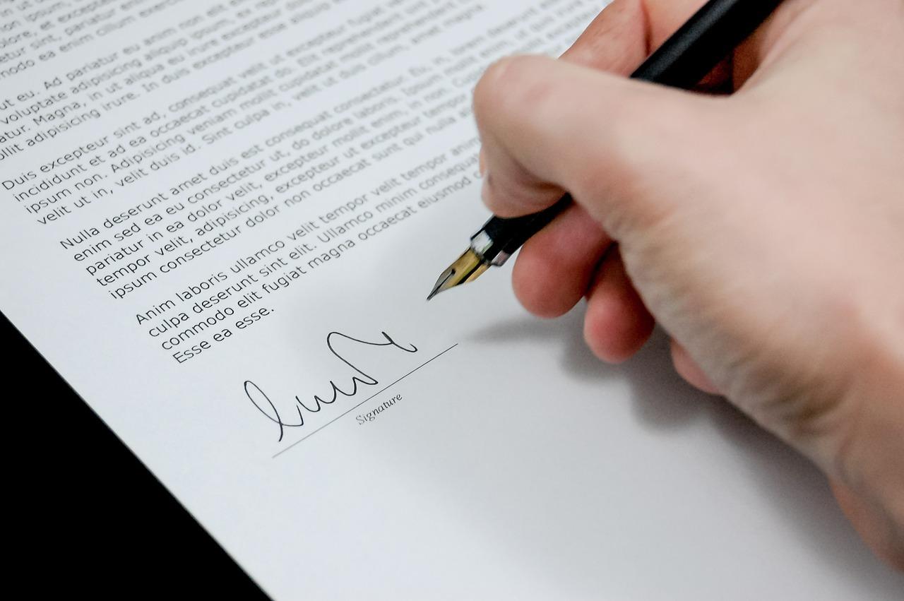 В чем преимущество оформления документов в письменном виде